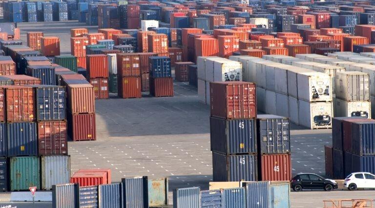 Kontejnerizace aplikaci se podobá klasickým lodním kontejnerům.