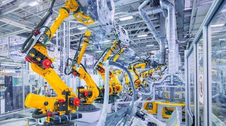 Robotizace ve výrobě automobilů